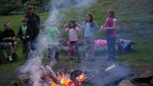 Hessle Cubs Commondale Campfire.jpg